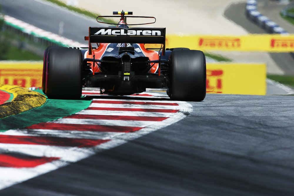 2017 Stoffel Vandoorne | McLaren MCL32 | 2017 Austrian GP Q 1 copy.jpg