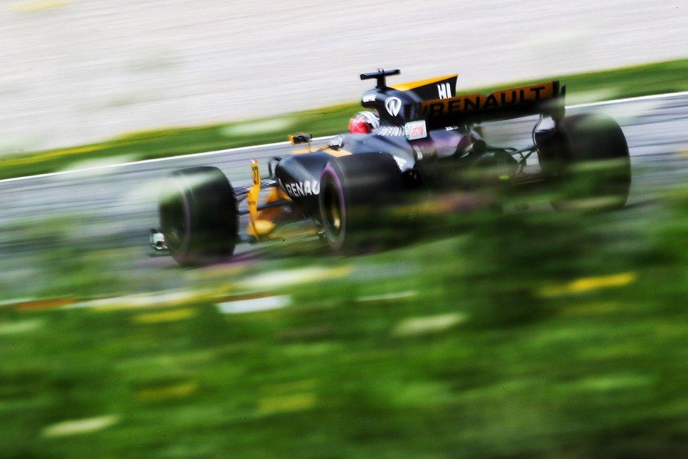 J 2017 Nico Hulkenberg | Renault RS17 | 2017 Austrian GP 2 copy.jpg
