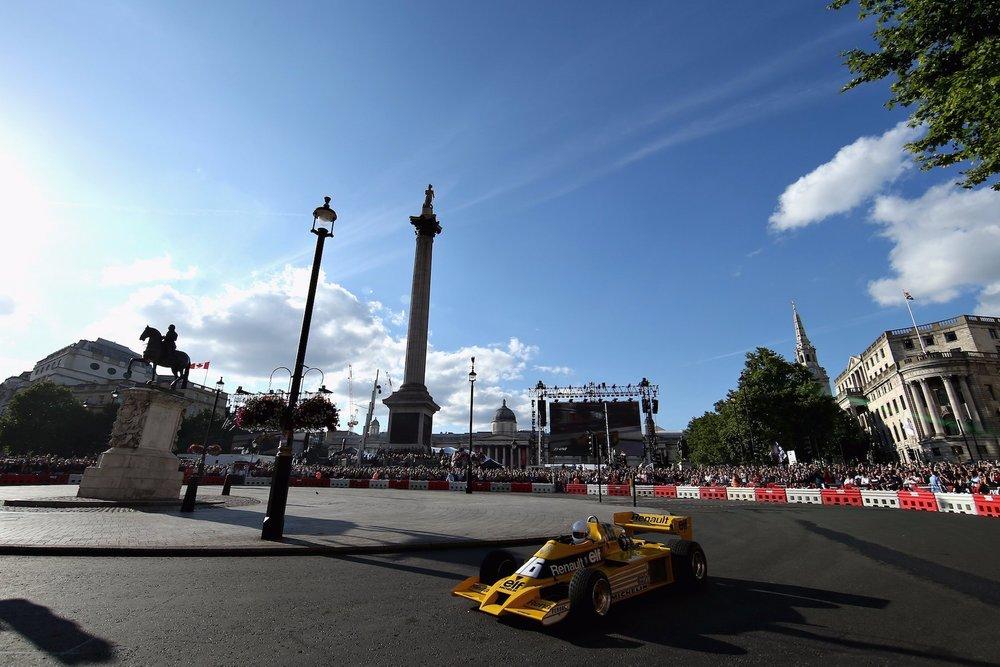 2017 F1 Live London 8 copy.jpg
