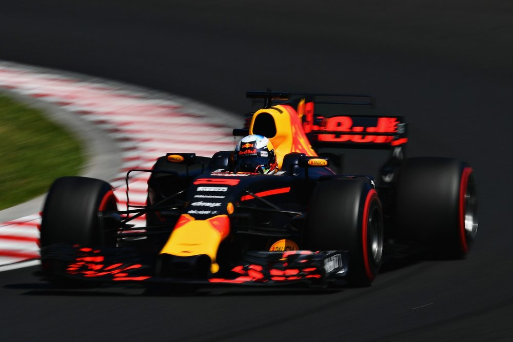 2017 Daniel Ricciardo | Red Bull RB13 | 2017 Hungarian GP Q3 P6 2 copy.jpg