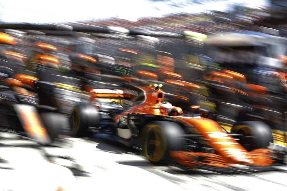 H 2017 Stoffel Vandoorne   McLaren MCL32   2017 Hungarian GP P6 1 copy.jpg