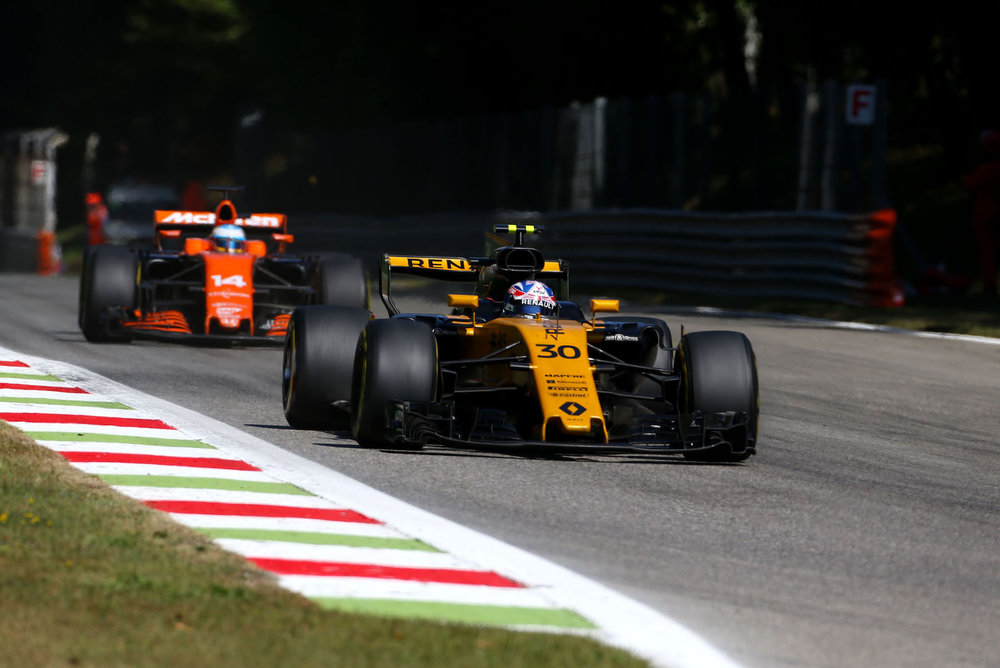 G 2017 Jolyon Palmer | Renault RS17 | 2017 Italian GP 1 copy.jpg