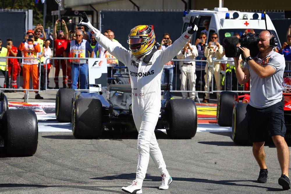 X 2017 Lewis Hamilton | Mercedes W08 | 2017 Italian GP P1 3 copy.jpg