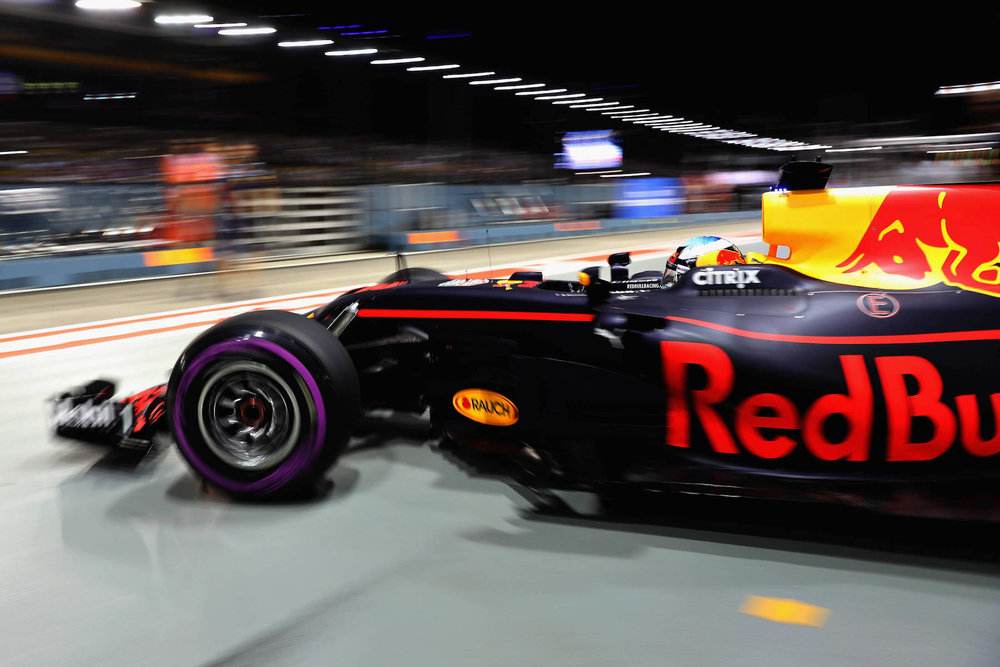 B 2017 Daniel Ricciardo | Red Bull RB13 | 2017 Singapore GP P2 4 copy.jpg