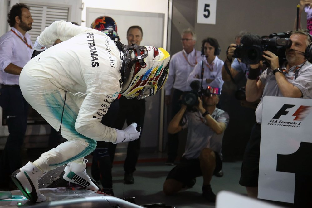 U 2017 Lewis Hamilton | Mercedes W08 | 2017 Singapore GP winner 5 Photo by Wolfgang Wilhelm copy.jpg