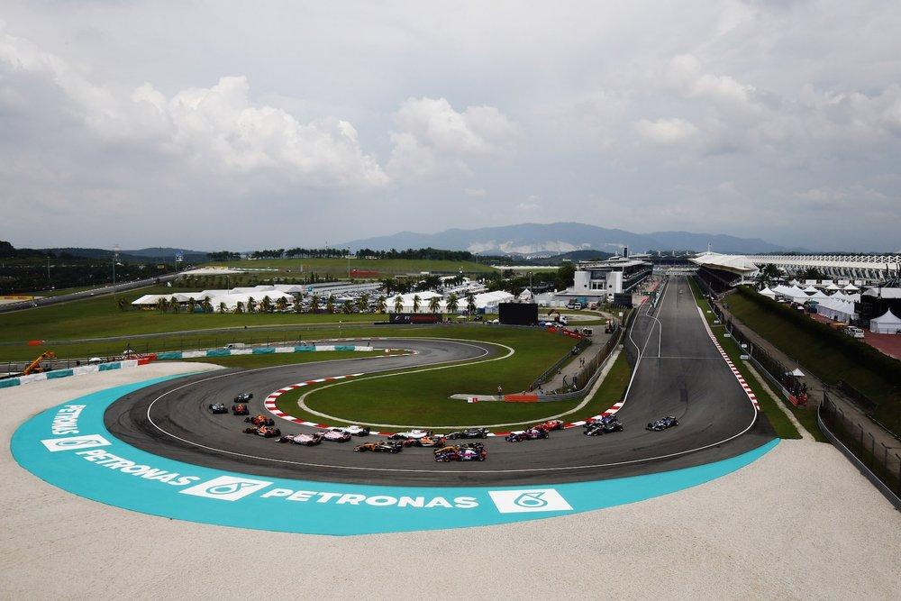 B 2017 Malaysia GP start 3 copy.jpg
