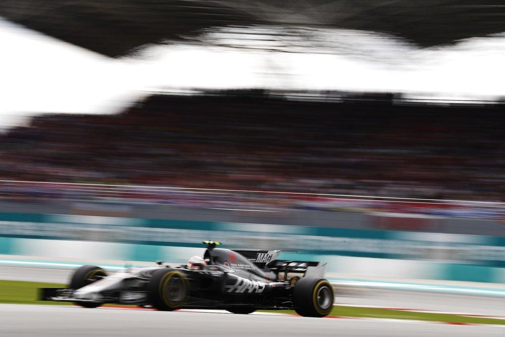 H 2017 Kevin Magnussen | Haas VF17 | 2017 Malaysia GP 1 copy.jpg