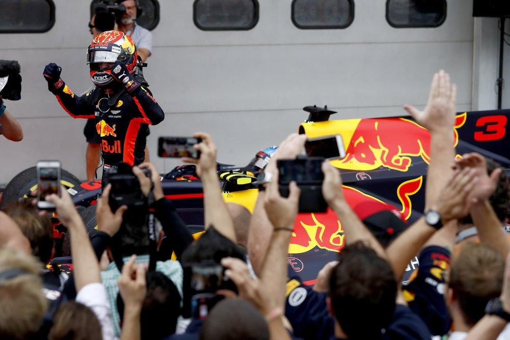 U 2017 Max Verstappen | Red Bull RB13 | 2017 Malaysia GP P1 2 copy.jpg