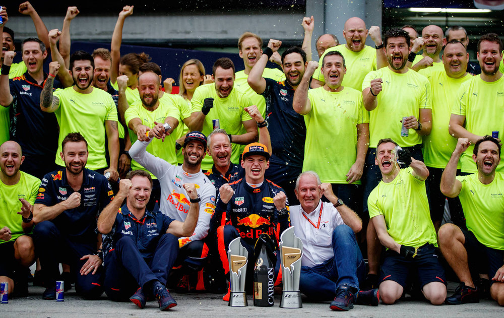 Z 2017 Red Bull Team celebrating win and P3 | 2017 malaysia GP copy.jpg