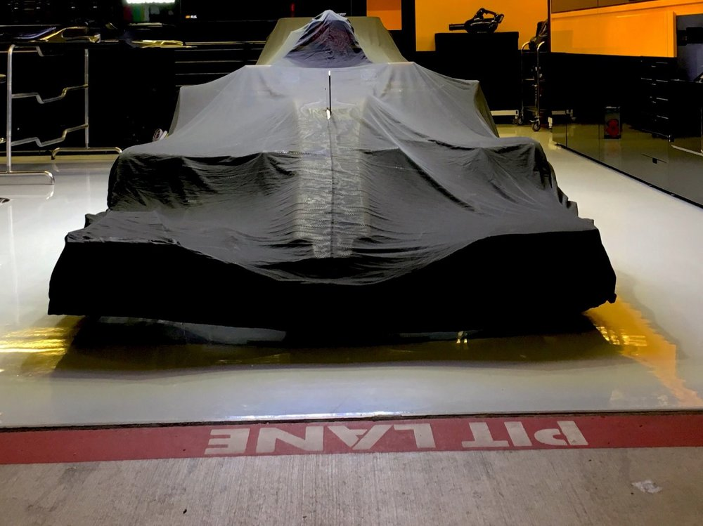 2017 Renault RS17 sleeping | 2017 USGP copy.jpg