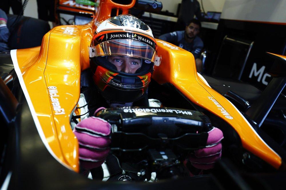 2017 Stoffel Vandoorne | McLaren MCL32 | 2017 USGP FP2 1 copy.jpg