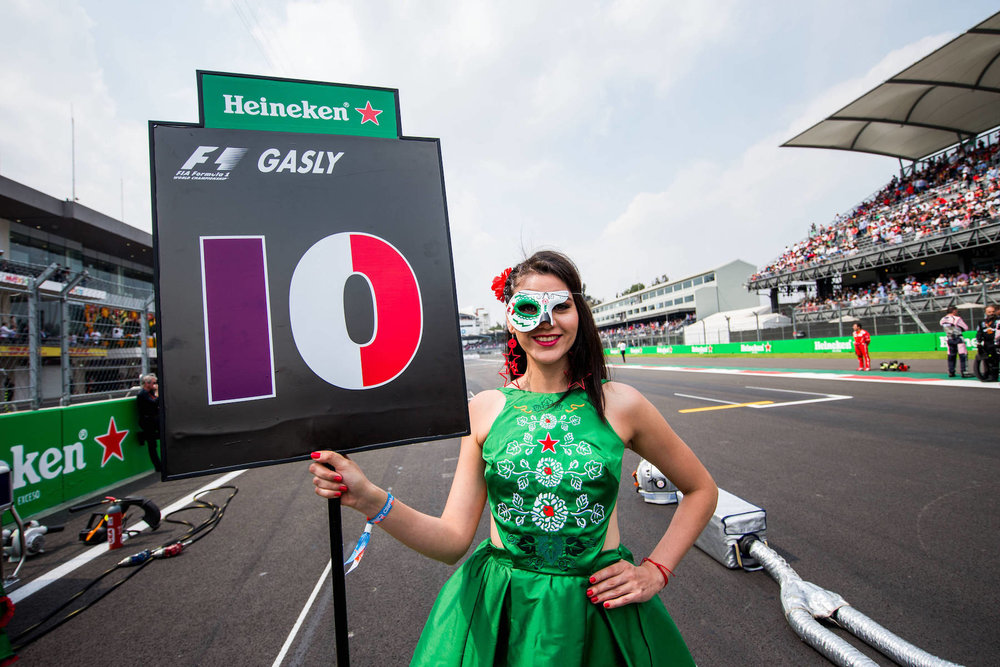B 2017 Mexican GP grid girl 1 copy.jpg