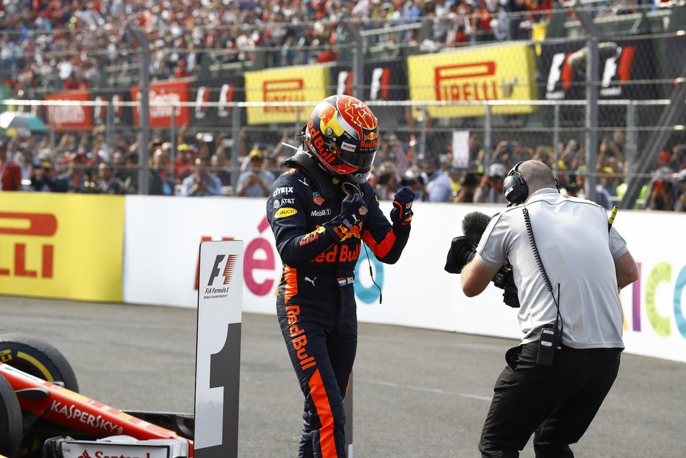 Q 2017 Max Verstappen | Red Bull RB13 | 2017 Mexican GP winner 7 copy.jpg
