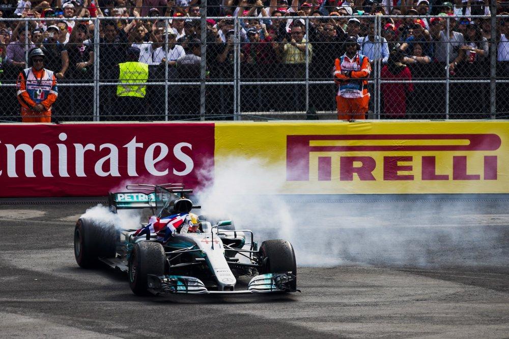S 2017 Lewis Hamilton | Mercedes W08 | 2017 Mexican GP WDC 6 copy.jpg