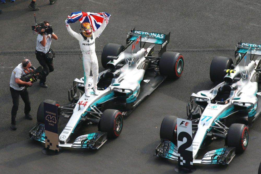 T 2017 Lewis Hamilton | Mercedes W08 | 2017 Mexican GP WDC 1 copy.jpg
