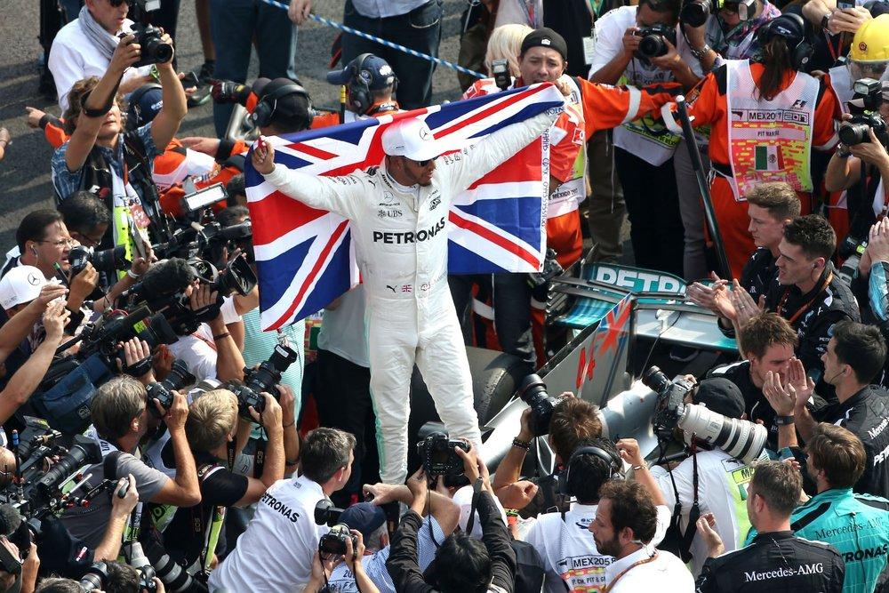 T 2017 Lewis Hamilton | Mercedes W08 | 2017 Mexican GP WDC 4 copy.jpg
