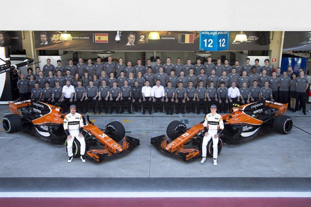 2017 McLaren F1 Team family photo copy.jpg