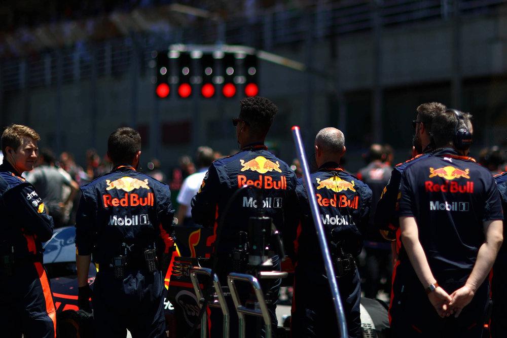 B 2017 Red Bull crew before the sart copy.jpg