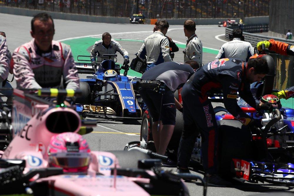 B 2017 Marcus Ericsson | Sauber C36 | 2017 Brazilian GP 1 copy.jpg