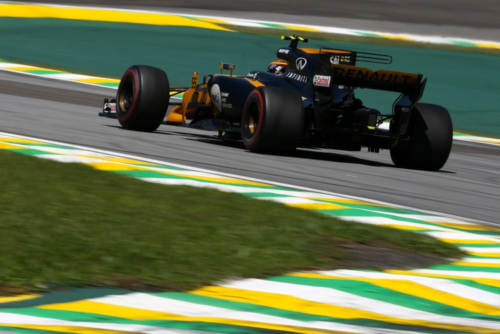 H 2017 Carlos Sainz | Renault RS17 | 2017 Brazilian GP 1 copy.jpg