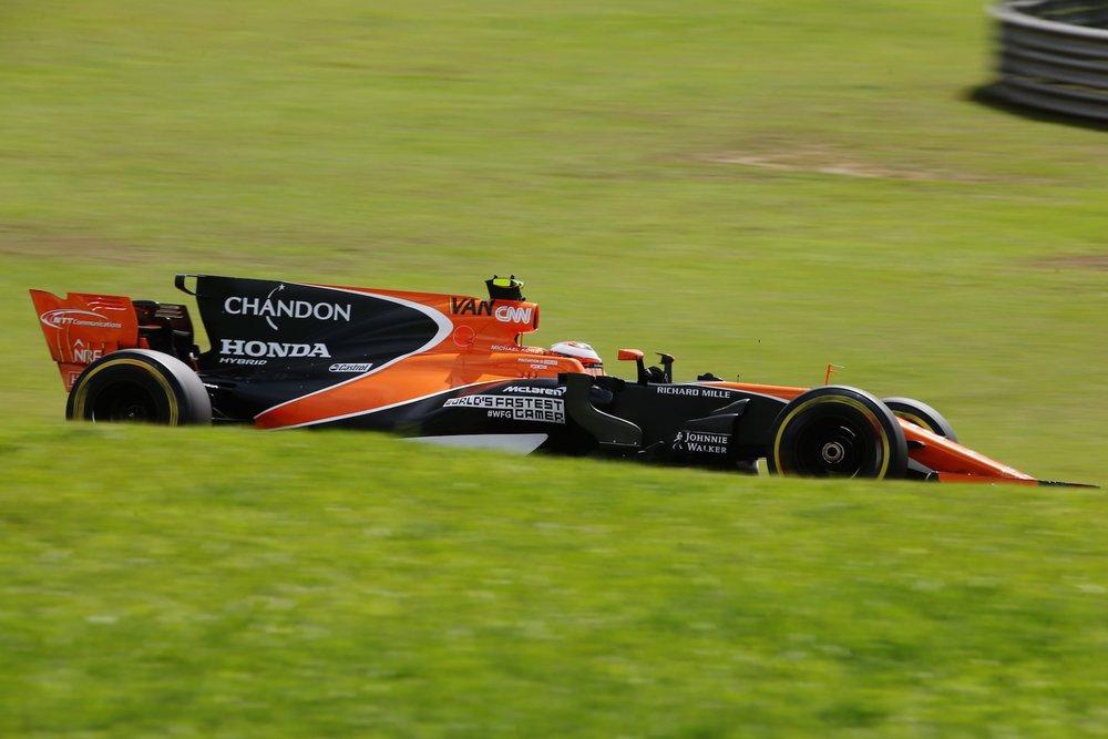 H 2017 Stoffel Vandoorne | McLaren MCL32 | 2017 Brazilian GP copy.jpg