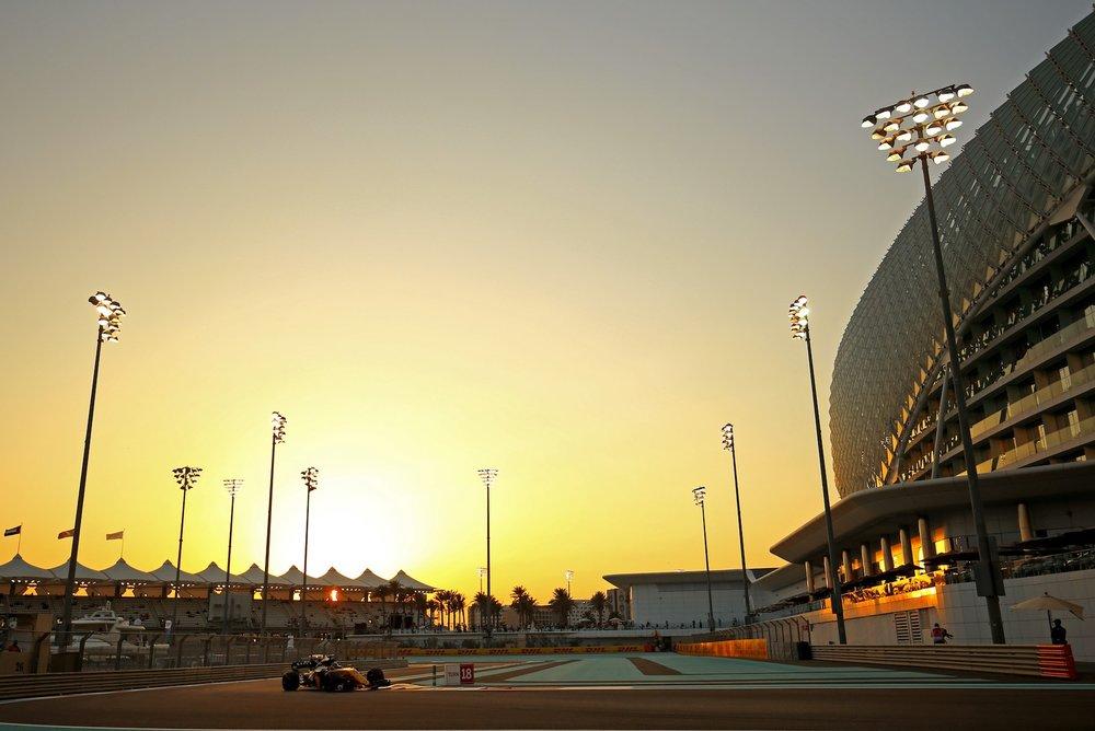 2017 Nico Hulkenberg | Renault RS17 | 2017 Abu Dhabi GP FP2 1 copy.jpg