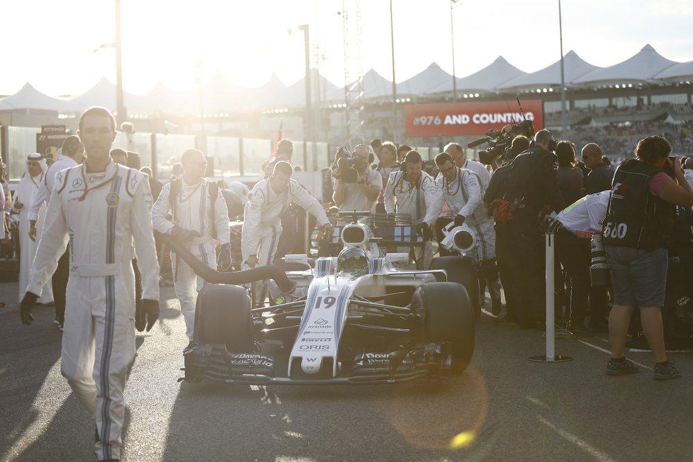 B 2017 Felipe Massa | Williams FW40 | 2017 Abu Dhabi GP 6 copy.JPG