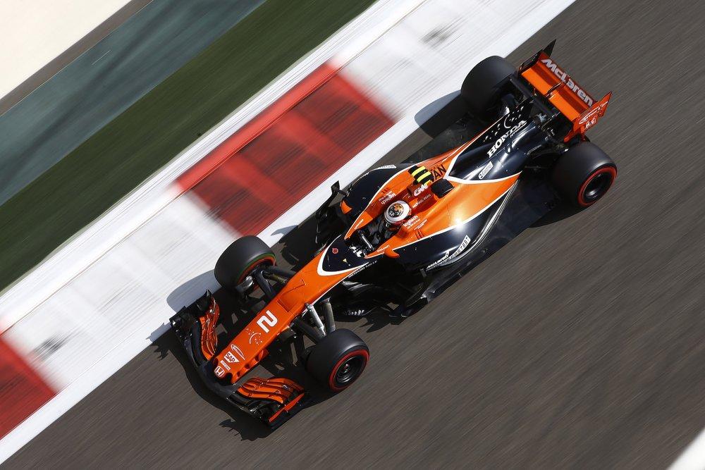E 2017 Stoffel Vandoorne | McLaren MCL32 | 2017 Abu Dhabi GP FP3 2 copy.jpg
