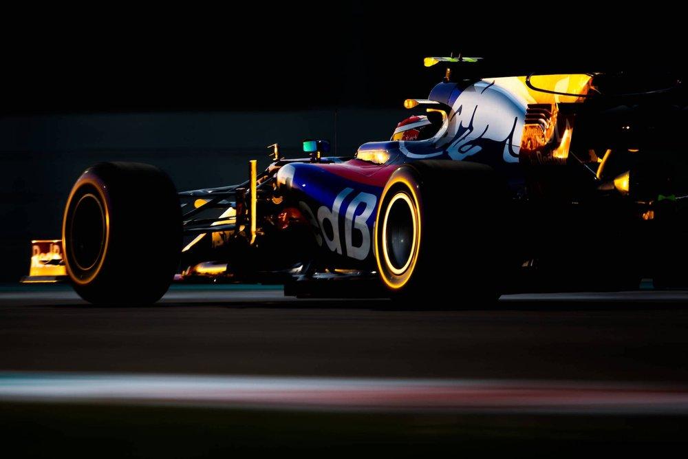 G 2017 Brandon Hartley | Toro Rosso STR12 | 2017 Abu Dhabi GP 1 copy.jpg