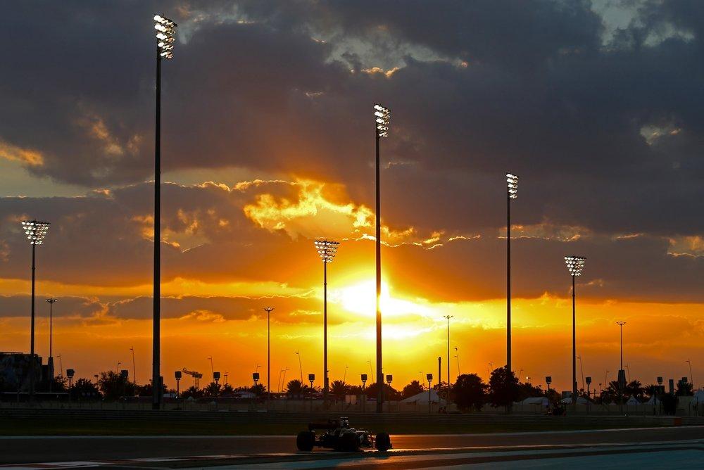 G 2017 Carlos Sainz | Renault RS17 | 2017 Abu Dhabi GP 1 copy.jpg