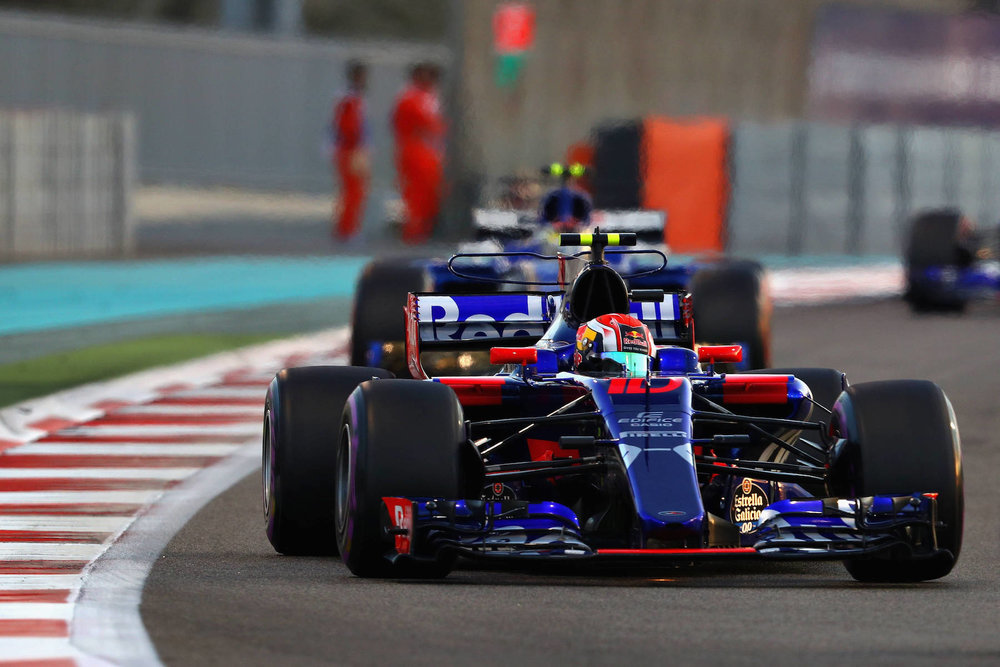 K 2017 Brandon Hartley | Toro Rosso STR12 | 2017 Abu Dhabi GP 3 copy.jpg