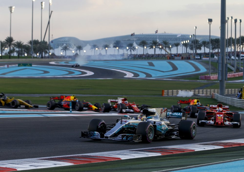 2017 Abu Dhabi start 2 copy.jpg