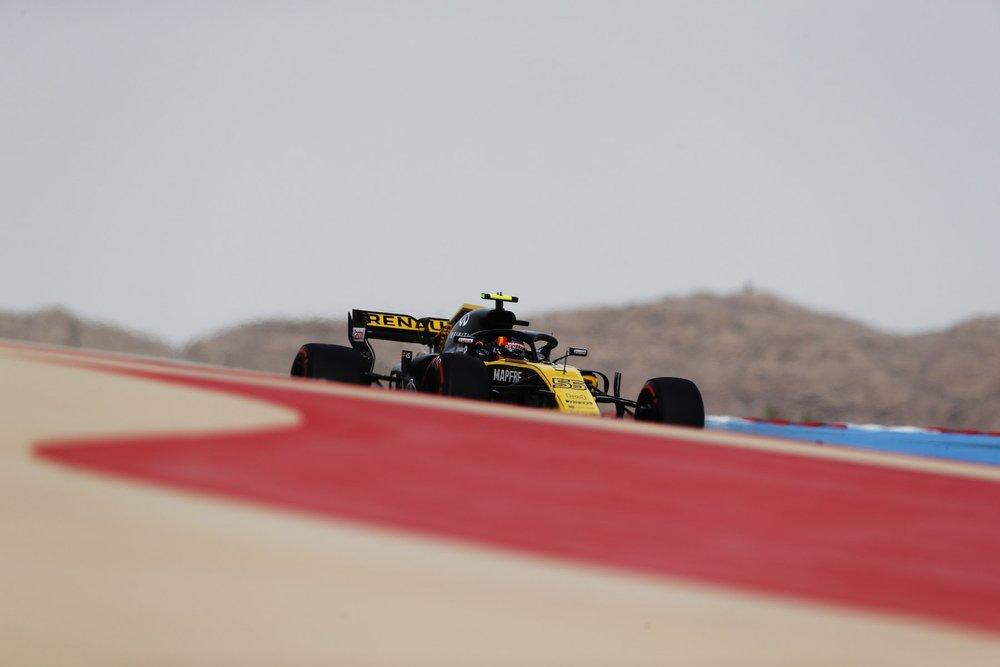 2018 Carlos Sainz | Renault RS18 | 2018 Bahrain GP FP1 1 copy.jpg