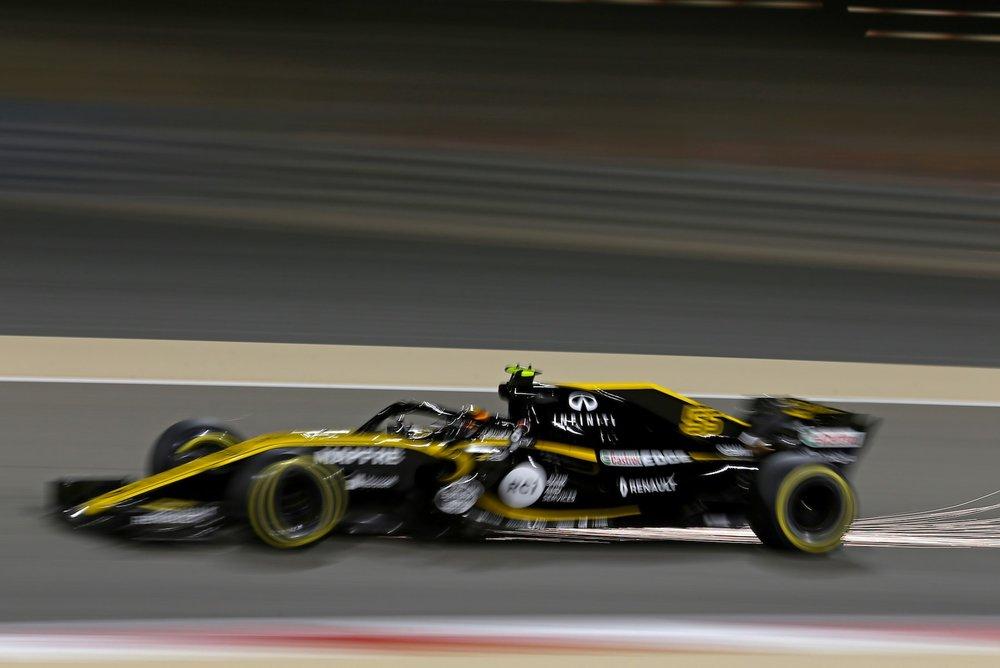 2018 Carlos Sainz | Renault RS18 | 2018 Bahrain GP Q 1 copy.jpg