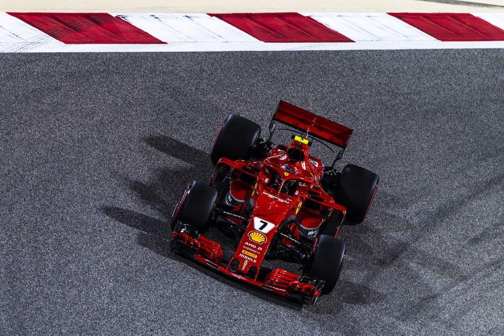 2018 Kimi Raikkonen | Ferrari SF71H | 2018 Bahrain GP Q 2 copy.jpg