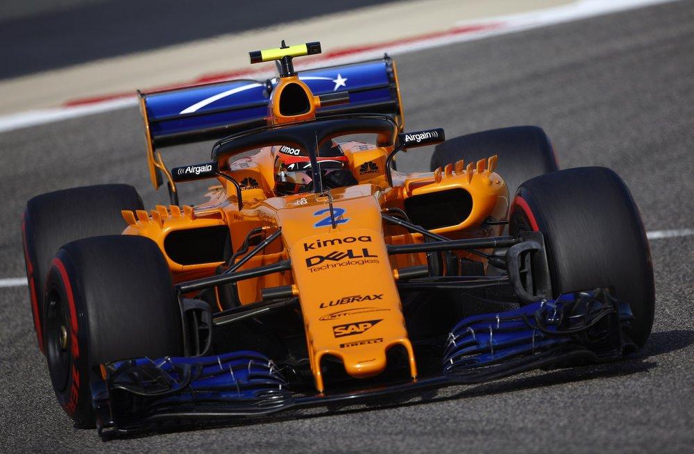 2018 Stoffel Vandoorne | McLaren MCL33 | 2018 Bahrain GP Q 2 copy.jpg