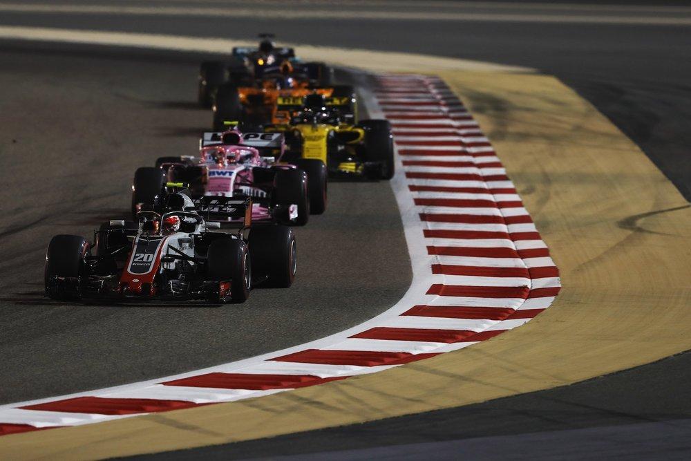E 2018 Kevin Magnussen | Haas VF18 | 2018 Bahrain GP 1 copy.jpg