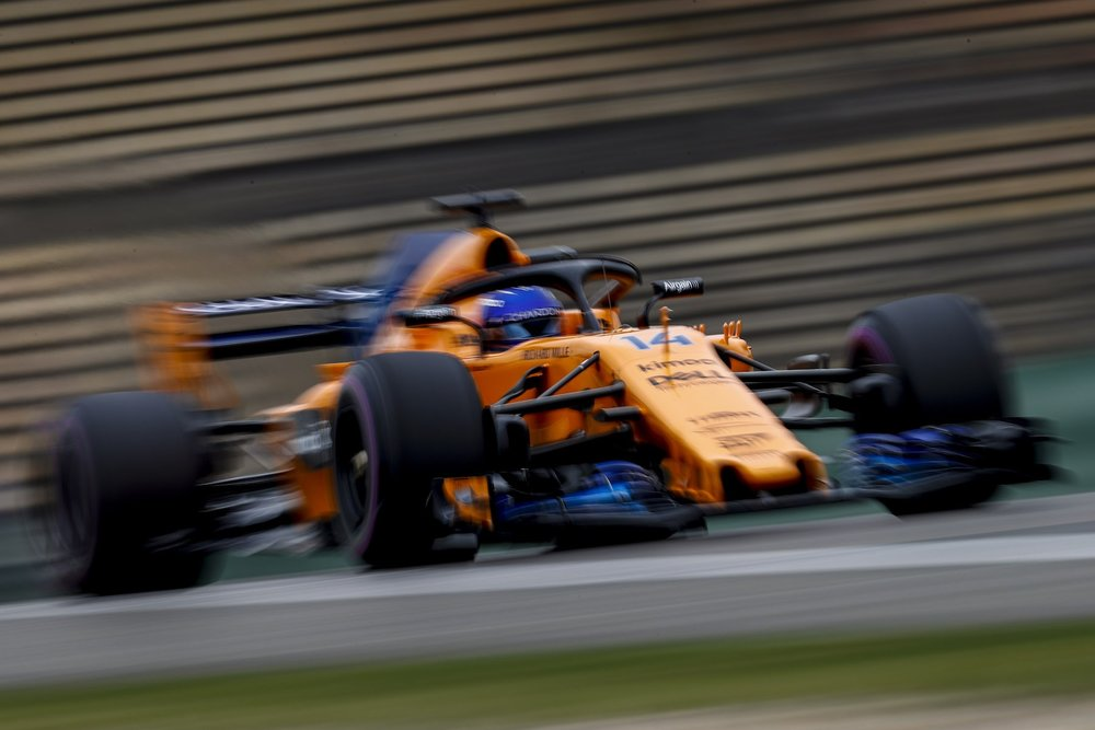2018 Stoffel Vandoorne | McLaren MCL33 | 2018 Chinese GP FP3 1 copy.jpg