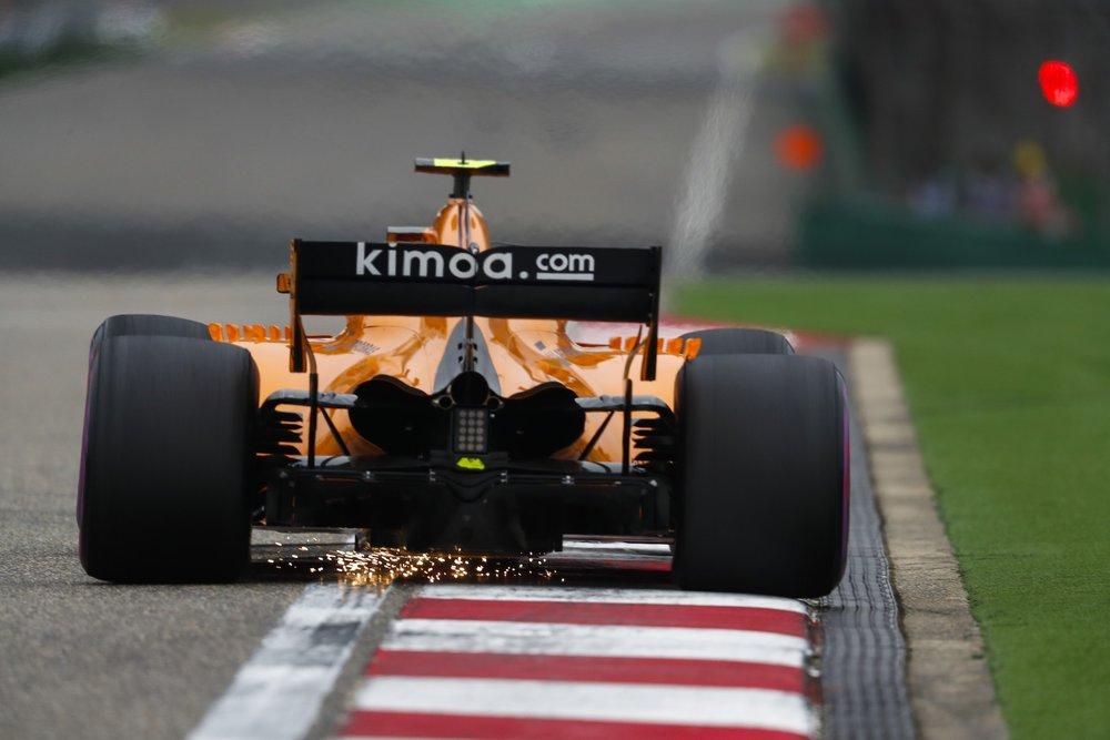 G 2018 Stoffel Vandoorne | McLaren MCL33 | 2018 Chinese GP FP3 1 copy.jpg