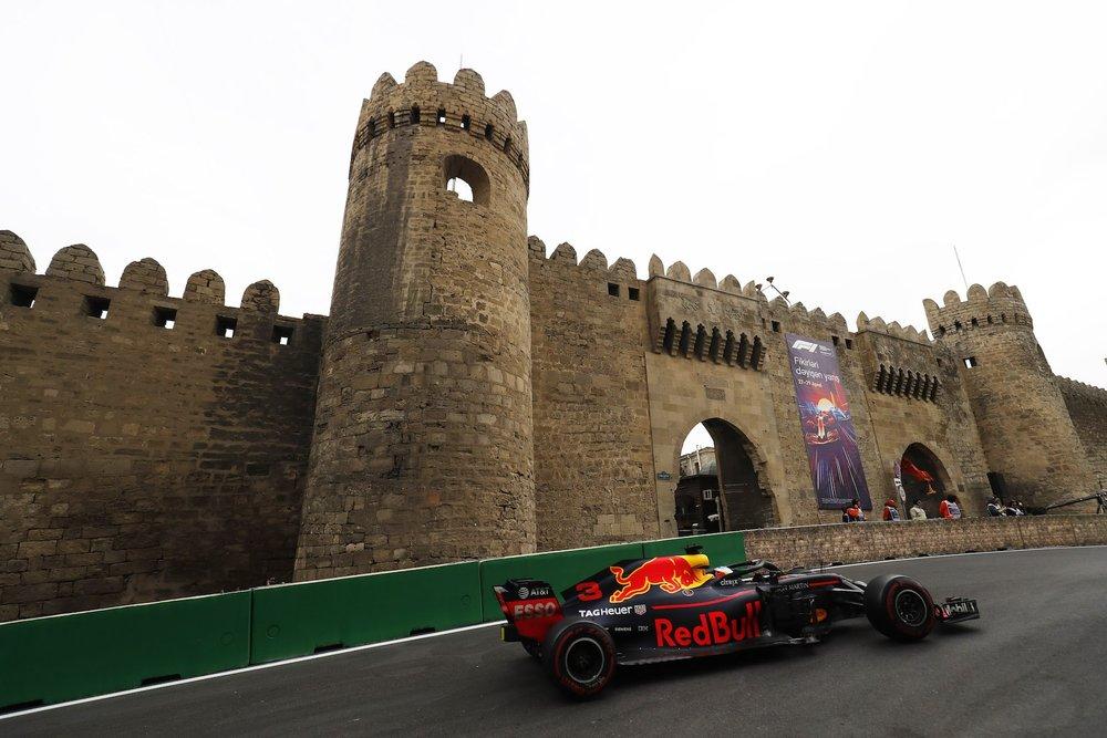 G 2018 Daniel Ricciardo | Red Bull RB14 | 2018 Azerbaijan GP 1 copy.jpg