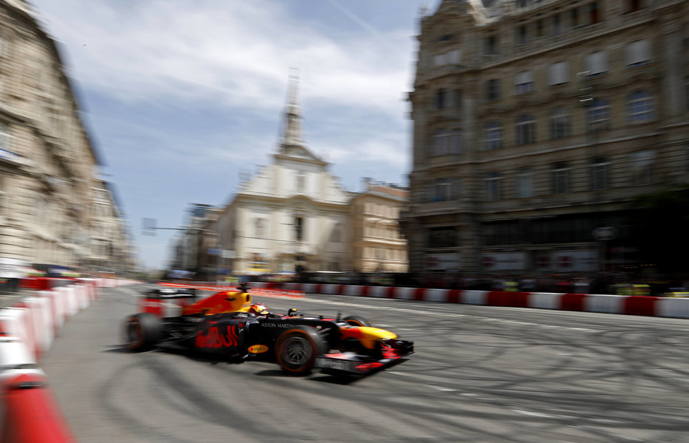 2018 Max Verstappen | red Bull Racing | The Grea Run Budapest 1 Photo by Laszlo Balogh 4.jpg
