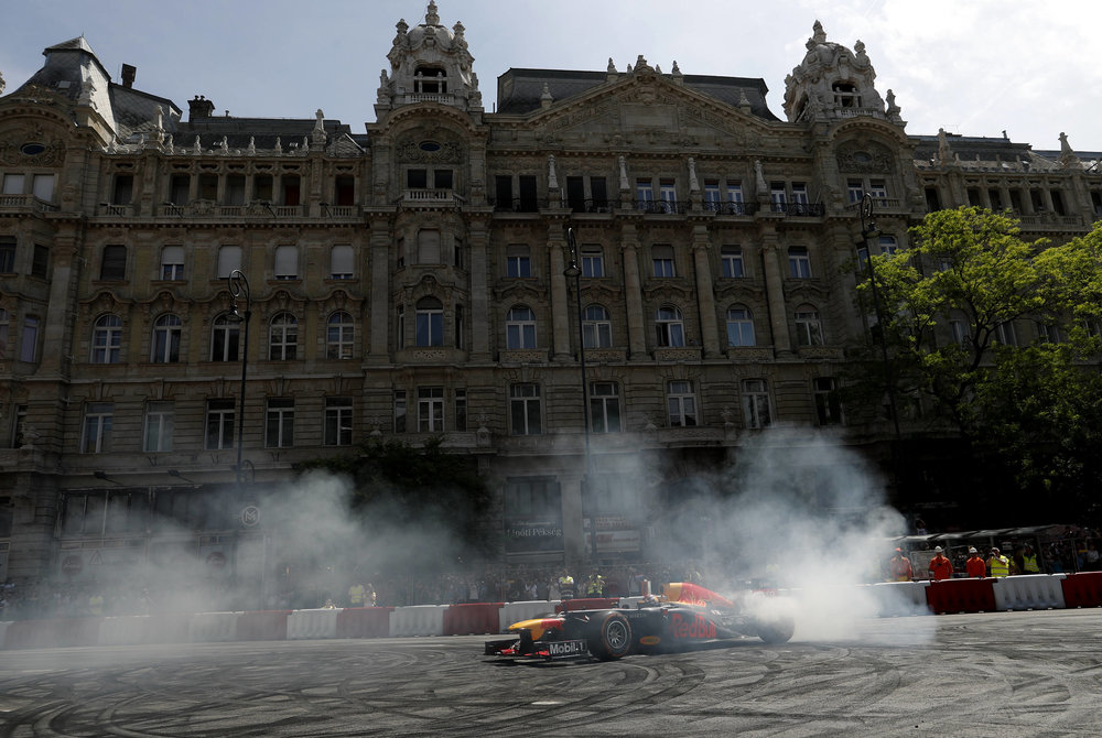 2018 Max Verstappen | red Bull Racing | The Grea Run Budapest 1 Photo by Laszlo Balogh 5.jpg