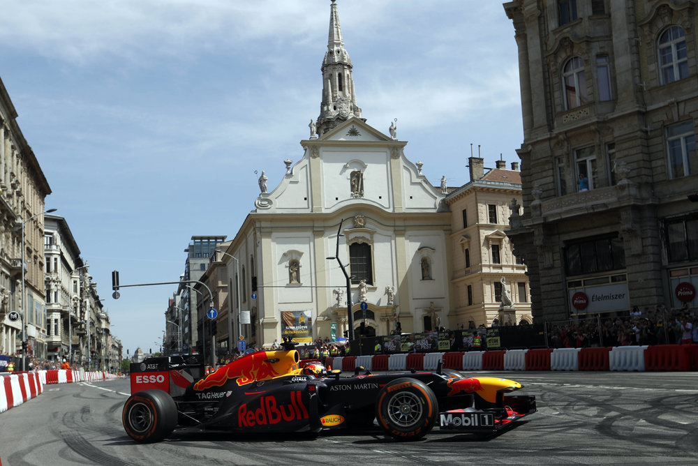 2018 Max Verstappen | red Bull Racing | The Grea Run Budapest 1 Photo by Laszlo Balogh 9.jpg