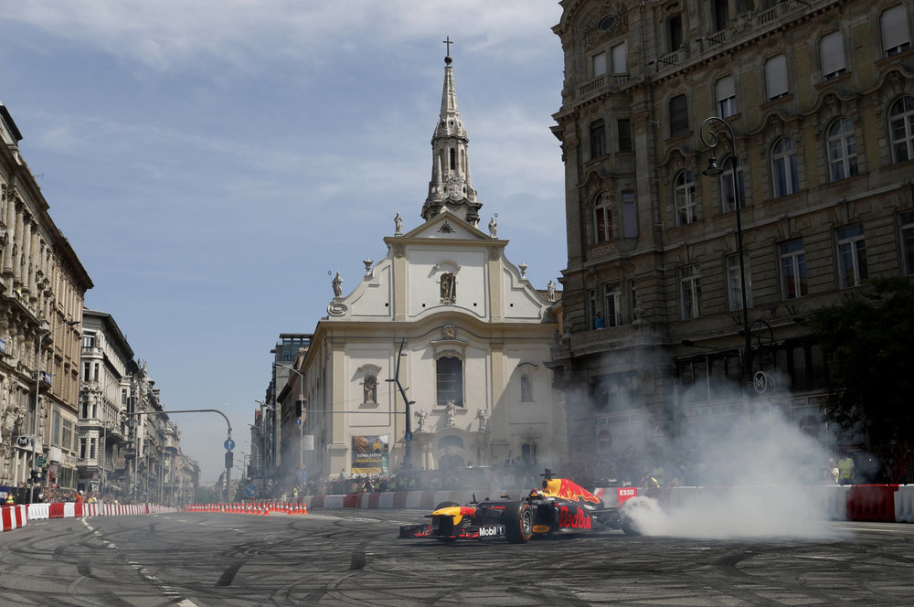 2018 Max Verstappen | red Bull Racing | The Grea Run Budapest 2 Photo by Laszlo Balogh 2.jpg