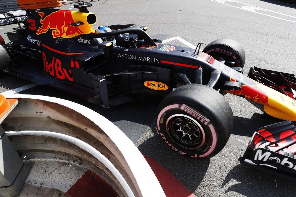 2018 Daniel Ricciardo | Red Bull RB14 | 2018 Monaco GP FP2 2 copy.jpg