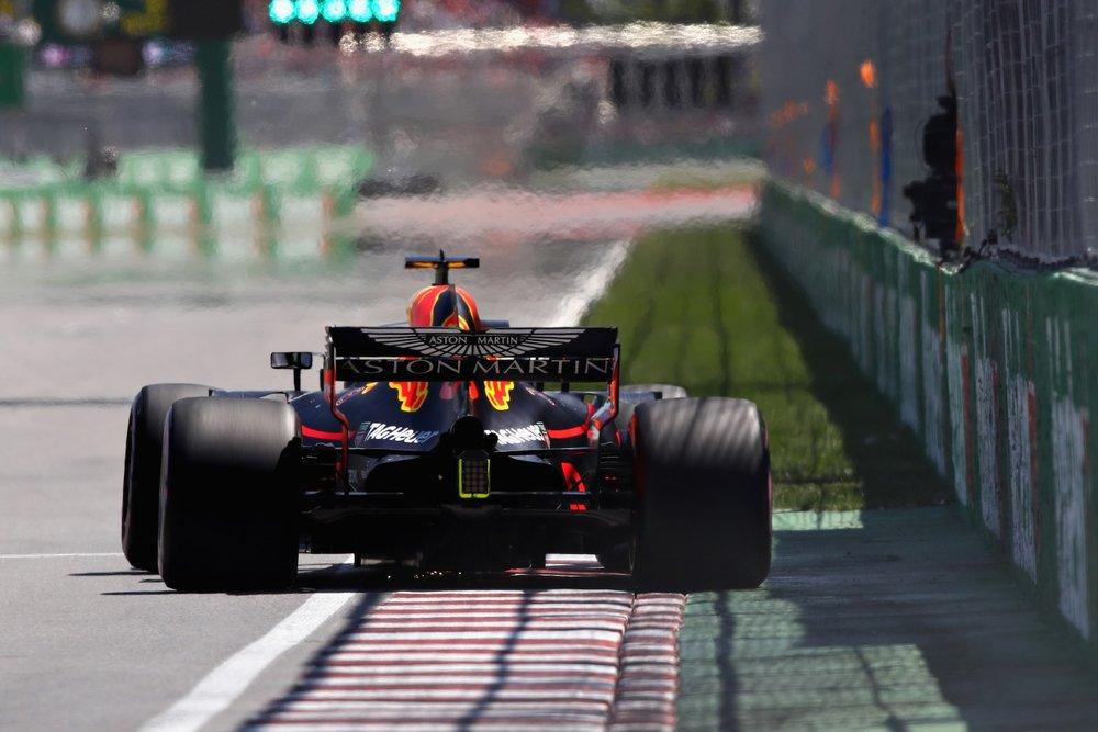 2018 Daniel Ricciardo | Red Bull RB14 | 2018 Canadian GP Q3 1 copy.jpg