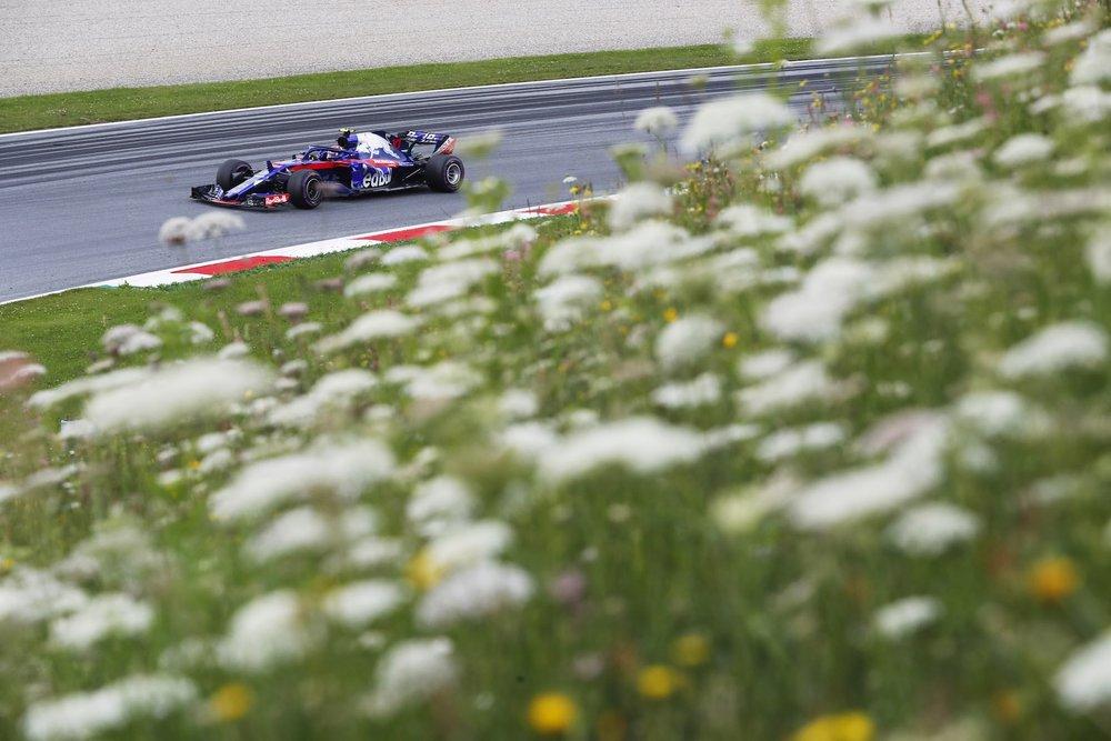 2018 Pierre Gasly | Toro Rosso STR13 | 2018 Austrian GP Q 1 copy.jpg