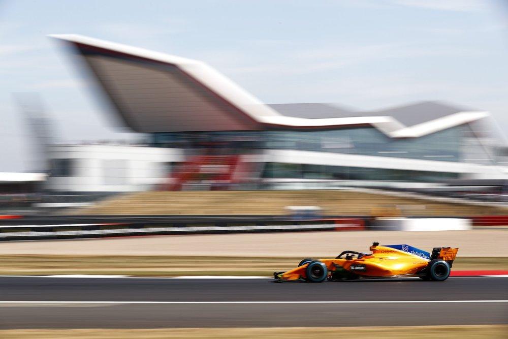 2018 Fernando Alonso | McLaren MCL33 | 2018 British GP FP1 1 copy.jpg