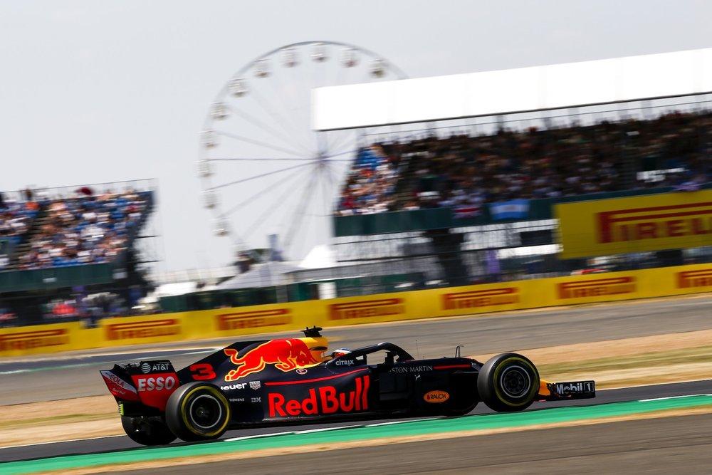 2018 Daniel Ricciardo | Red Bull RB14 | 2018 British GP Q3 1 copy.jpg