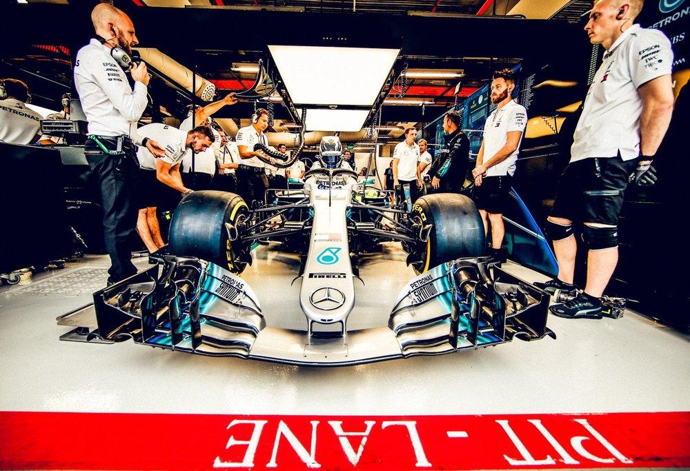 2018 Valtteri Bottas | Mercedes W09 | 2018 Russian GP FP1 1 copy.jpg